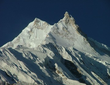 Manaslu, Everest
